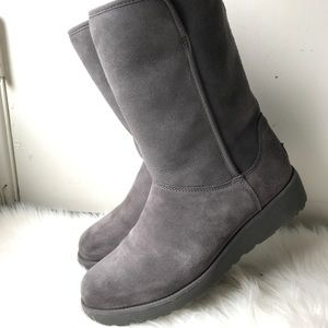 UGG Amie Boots Gray Size 9US Used.